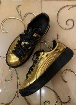 Золотые кеды puma