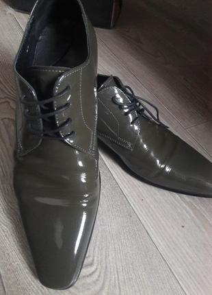 Лаковые кожаные классические туфли ferre