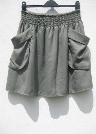 Крутая юбка h&m с большими карманами цвета серого хаки