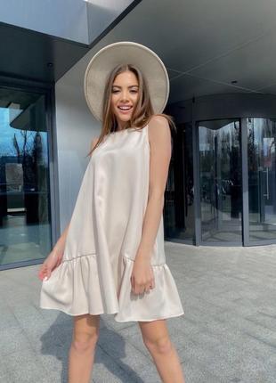 Трендовое платье оверсайз беж