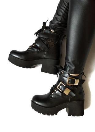 💣💥sale💥красивые ботинки с кружевом и ремнями размер 38