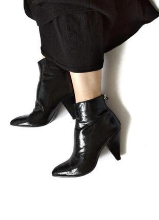 Роскошные лаковые деми сапожки от new look size 37