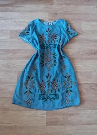 Джинсовое платье мини с орнаментом, сукня міні