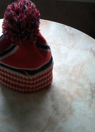 Новая тёплая стильная шапка