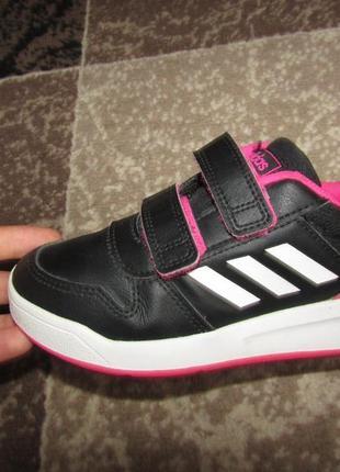 Adidas кросівки 19 см стєлька