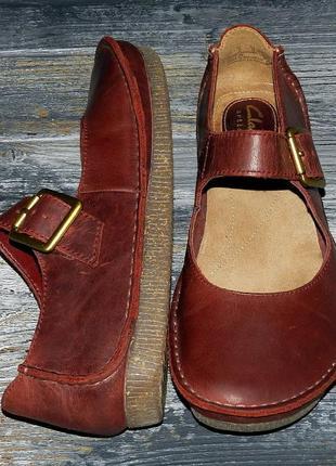 Женские оригинальные кожаные туфли на низком ходу clarks