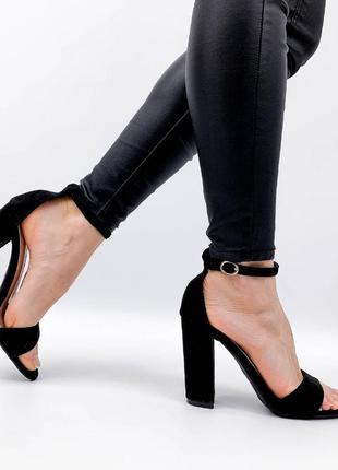 Босоножки босоніжки с закрытой пяткой ремешком эко замшевые еко замшеві на высоком устойчивом каблуке чорні чёрные черные