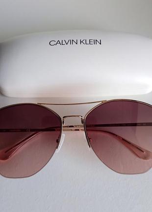 Стильные солнцезащитные очки calvin klein. оригинал.