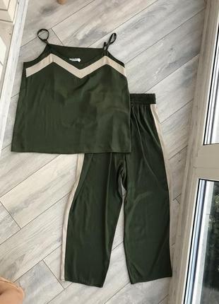 Костюм брюки с майкой тонкий атлас