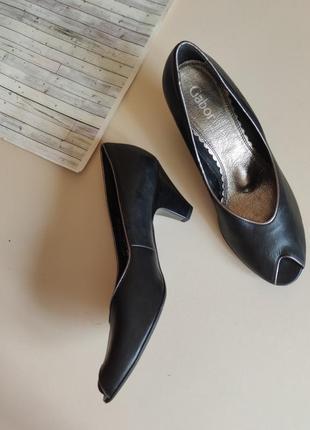 Кожаные туфли с вырезом открытый пальчик туфлі з відкритим носочком gabor