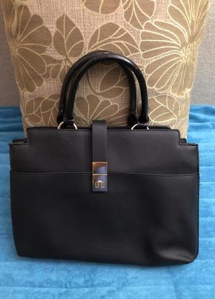 Вместительная сумка британського бренда new look