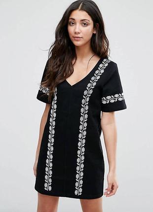 Neon rose платье чёрное джинсовое с белой вышивкой прямое базовое повседневное