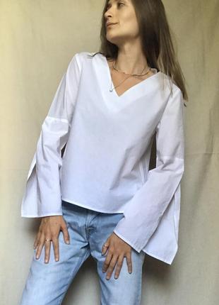 Блуза рубашка с вырезом и широкими рукавами