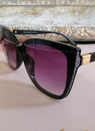 Эксклюзивные чёрные брендовые солнцезащитные женские очки лисички 2021 с блестками