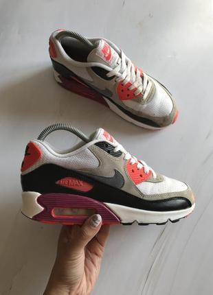 Оригінальні кросівки nike air max