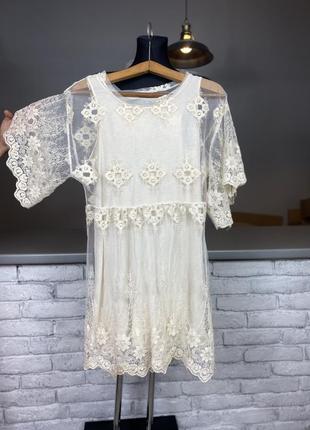 Белое кружевное платье біле мережевне плаття