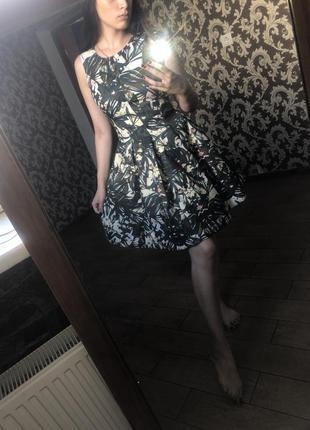 Красивое женское платье 👗