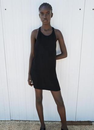 Платье черное трикотажное спина борцовка с плетенной деталью в виде жгута zara
