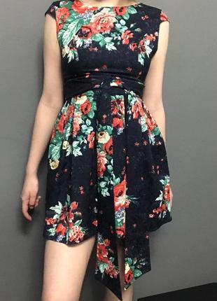 Женское платье нежное