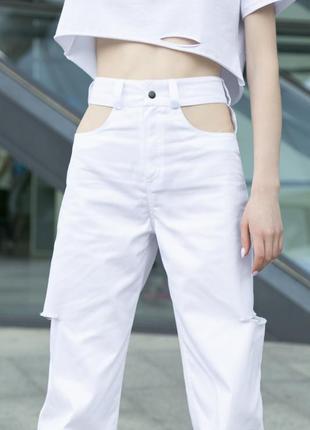 """Брюки штаны джинсы коттоновые """"twins"""" белые c вырезом на карманах"""