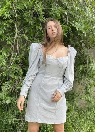Платье-глиттер с обьемными рукавами 💔