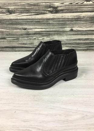 Фирменные кожаные туфли лоферы zara bata