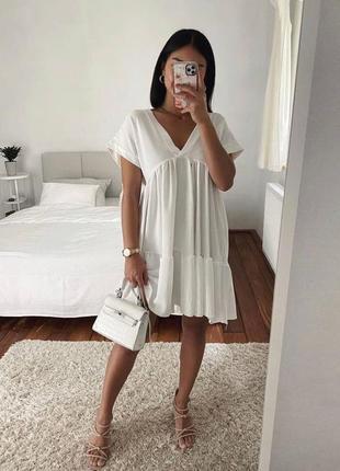Летнее белое платье свободного кроя, мини
