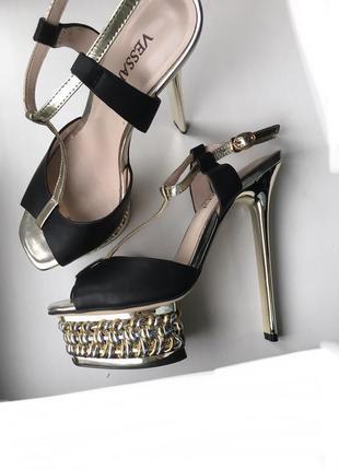 Кожаные туфли босоножки vessardi из натуральной кожи высокие на шпильке шпильках каблуке каблуках вечерние нарядные2 фото