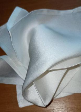 Карманный шелковый носовой платочек