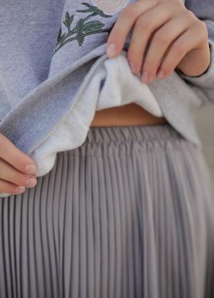 Базовая серая юбка миди7 фото