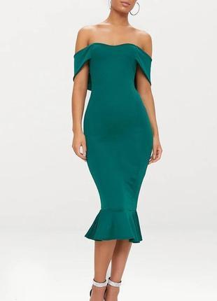 Pretty little things новое платье миди длинное бутылочное зелёное с открытыми плечами