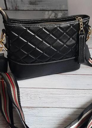 Сумкк кожаная черная с текстильным ремешком