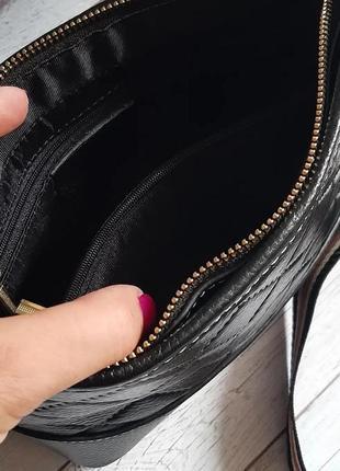 Сумкк кожаная черная с текстильным ремешком4 фото