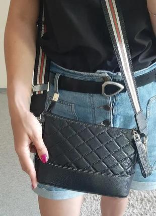 Сумкк кожаная черная с текстильным ремешком3 фото