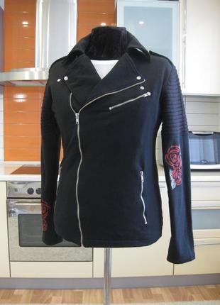 Крутейшая куртка, трикотаж двунитка, вышивка на рукавах !!!