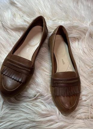 Стильные кожаные туфли размер 40