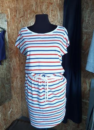 Легкое платье в полоску