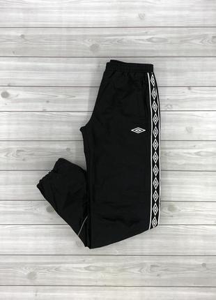 Женские спортивные штаны umbro размер м