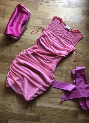 Платье эффектное с сеткой .
