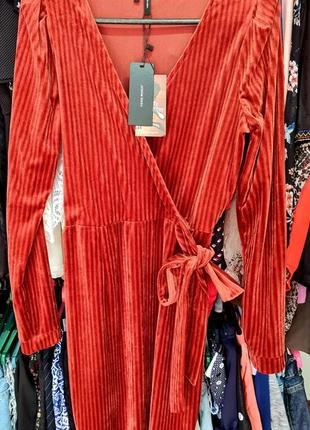 Шикарное велюровое платье