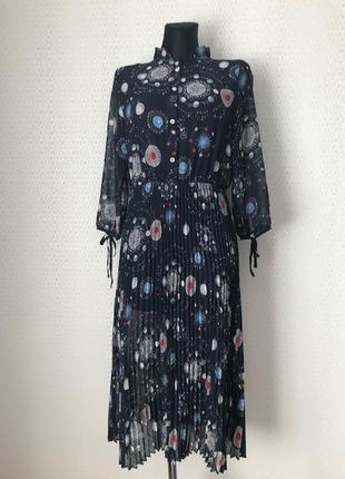 Оригинальное красивое платье с плиссерованной юбкой (плиссе), размер s-m