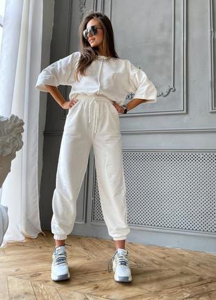 Женский белый спорт костюм трикотаж. реал фото