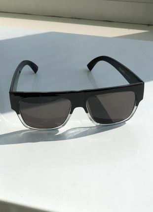 Стильные солнцезащитные очки сropp