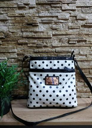 Красивая удобная сумочка