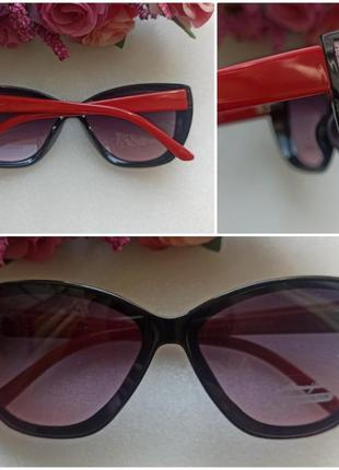 Новые красивые очки с блеском по бокам, с красными дужками