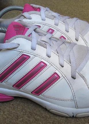 Коссовки adidas р.39.5. оригинал
