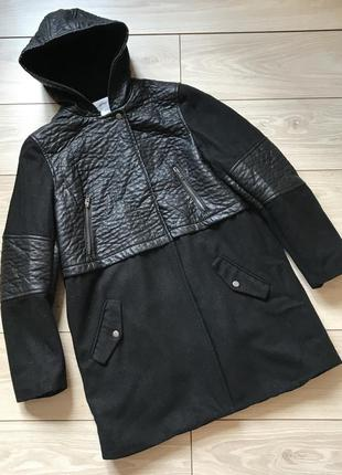 Тёплое чёрное комбинированное пальто 70% шерсть лана с капюшоном la reroute