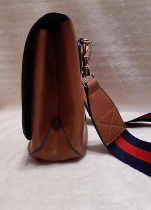 Актуальная стильная коричневая наплечная сумка через плечо кросс боди next6 фото