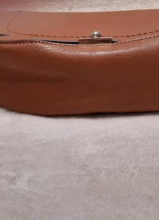 Актуальная стильная коричневая наплечная сумка через плечо кросс боди next7 фото
