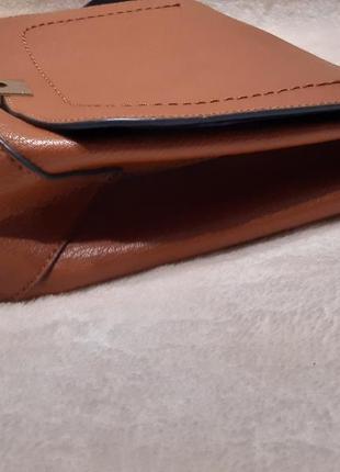 Актуальная стильная коричневая наплечная сумка через плечо кросс боди next8 фото